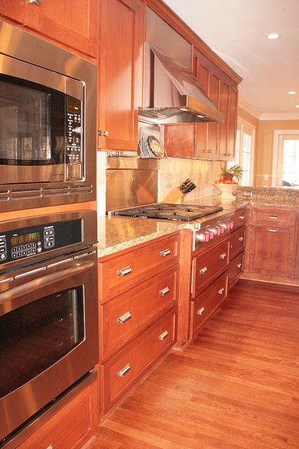 ... HGTV Kitchen Remodel ...