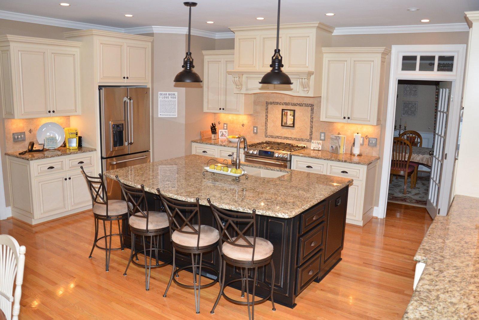 Kitchen remodeling pictures trendmark inc for Bathroom remodel under 10000